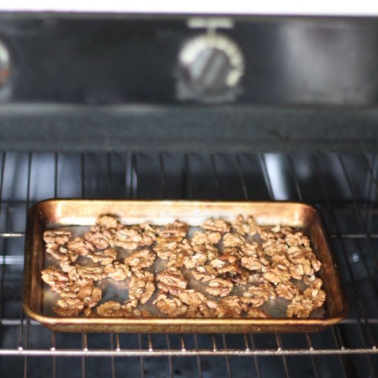 The most effective method to Toast Nuts in the Broiler