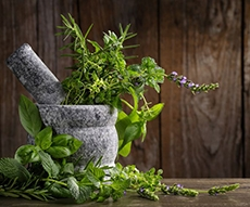 8 OF THE BEST HERBS AND SPICES FOR NATURAL HEALING